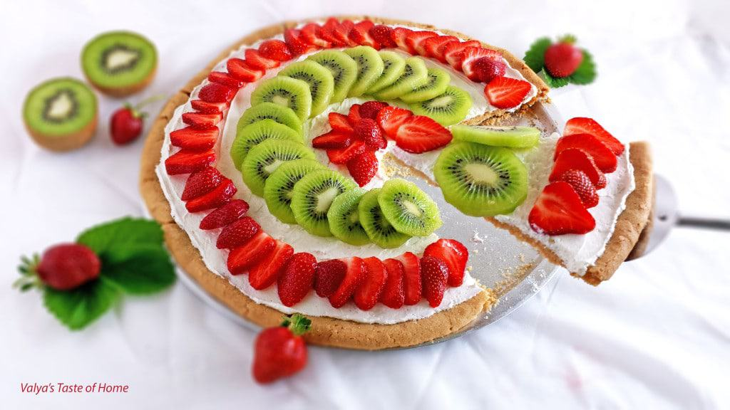 Strawberry Kiwi Dessert Pizza - Valya's Taste of Home