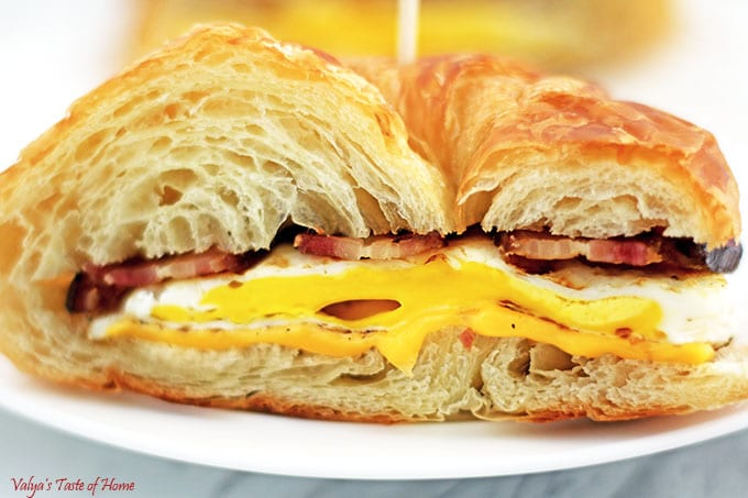 Simple Breakfast Croissan'wich