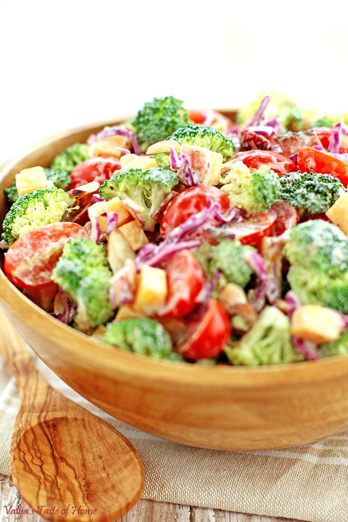 almond slivers, cheddar cheese, cranberries, Creamy Cheddar Broccoli and Tomato Salad Recipe, Greek yogurt, Greek yogurt ranch dressing, healthy, Homemade Ranch Dressing, natural bacon, red cabbage, vegetarian, winter vegetable saladCreamy Cheddar Broccoli and Tomato Salad Recipe
