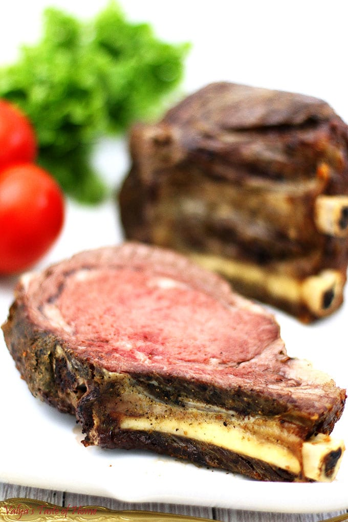 beef, bone-in rib roast, bone-in steak, juicy, ribeye steak, roasted standing bone-in steak, so delicious, soft, standing beef steak, Standing Bone-in Ribeye Roast Recipe, steak, tender