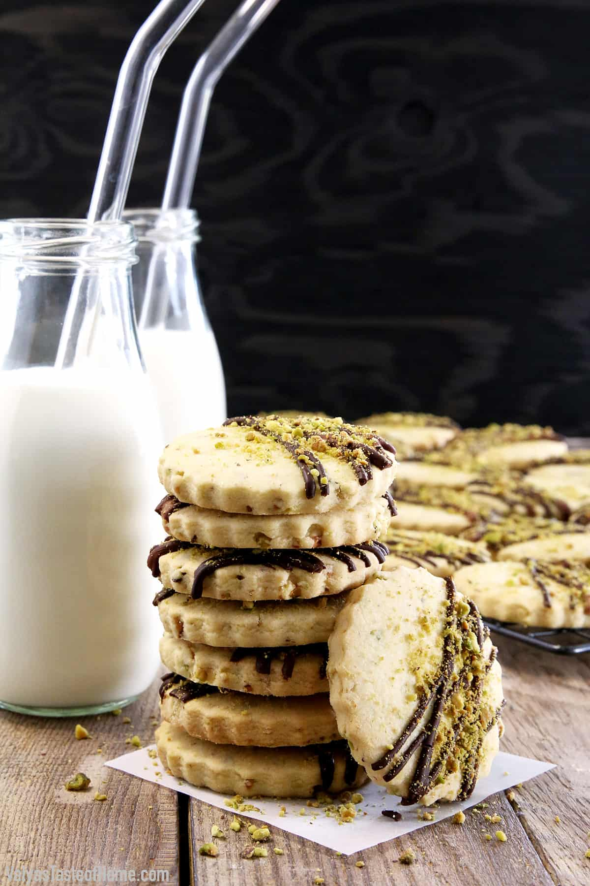 Move over chocolate chip cookies, these delicious cookies may just become a new favorite. What goes great with a treat like these Easy Pistachio Dark Chocolate Drizzle Shortbread Cookies? You're right, cold milk!